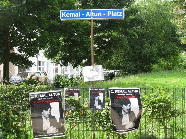 Kemal Altuna Platz schild